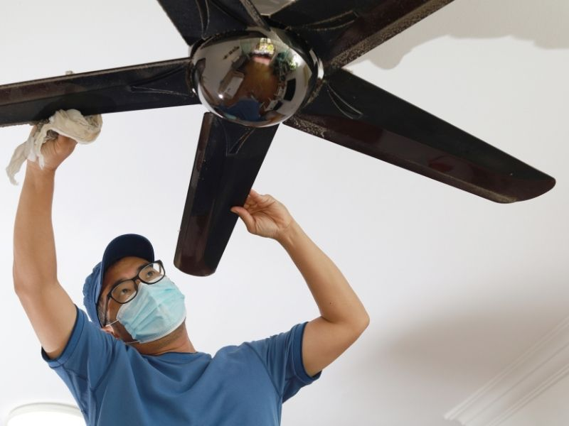 cleaning ceiling fan blades